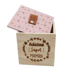 Boîte carrée gravée - Maman